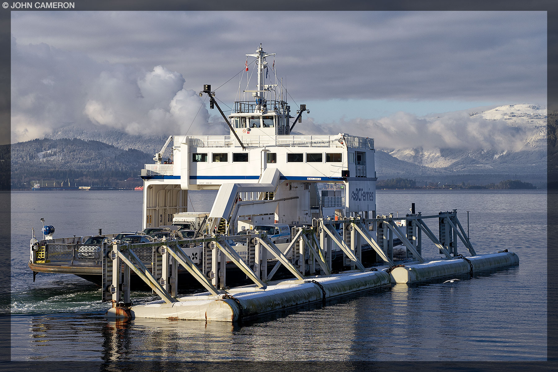 Howe Sound Queen approaching Vesuvius Dock