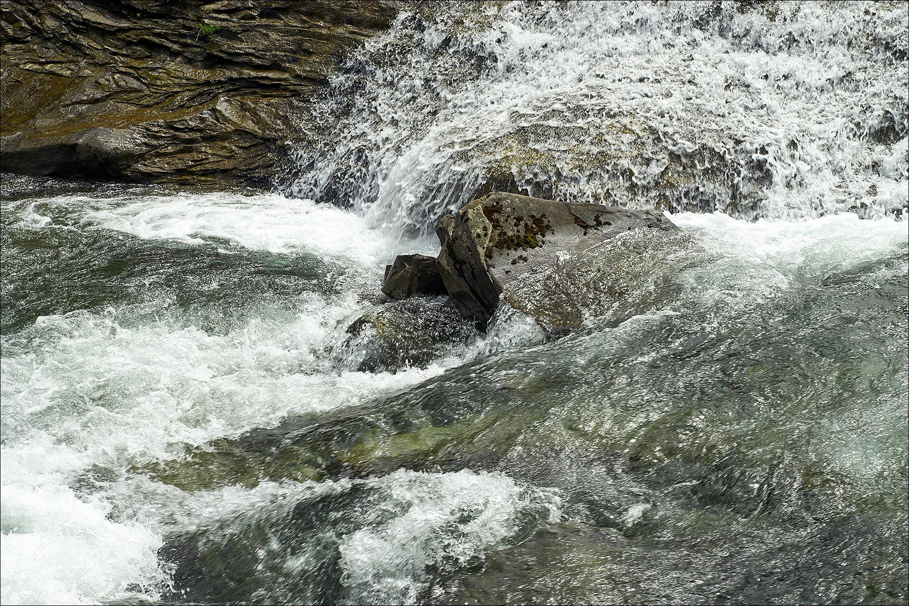 Nymph Falls Nature Park ©johncameron.ca